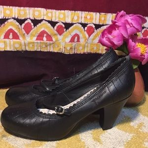 Vagabond Ladies Mary Jane Leather Heels Size 6.5